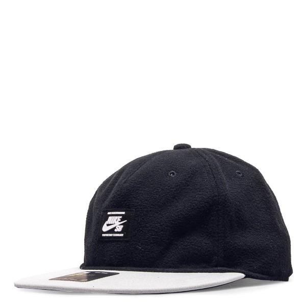 Cap Fleece Black White